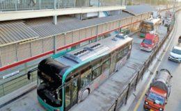 پشاور: کورونا ایس او پیز کی خلاف ورزی پر بی آر ٹی کے 14 مسافروں پر جرمانہ
