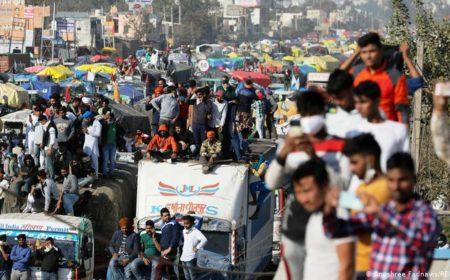 بھارت: کسانوں کا 'دہلی چلو' مارچ جاری، حکومت کے آگے جھکنے سے انکار