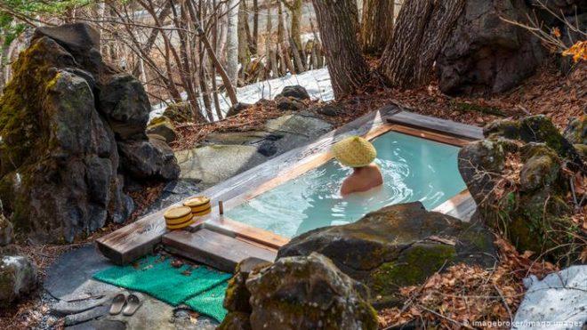 جاپانیوں کی طویل عمر کا راز، گرم پانی سے لمبا غسل