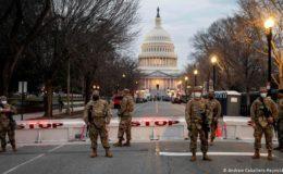 امریکا: دائیں بازو سے تعلق رکھنے پر بارہ فوجیوں کو ڈیوٹی سے ہٹا دیا گیا