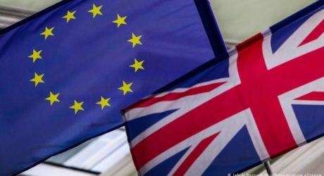 تقریباﹰ پانچ ملین یورپی شہریوں کی برطانیہ میں رہائش کی درخواست