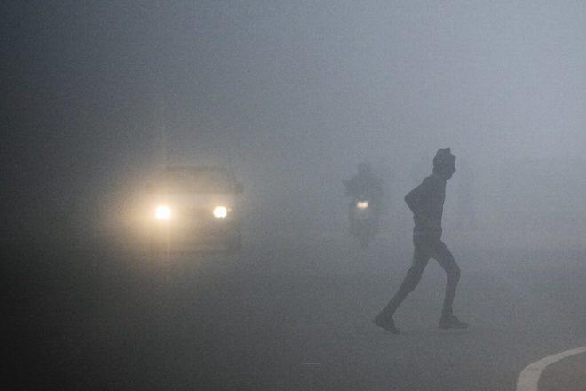 پنجاب کے مختلف شہروں میں دھند کا راج برقرار
