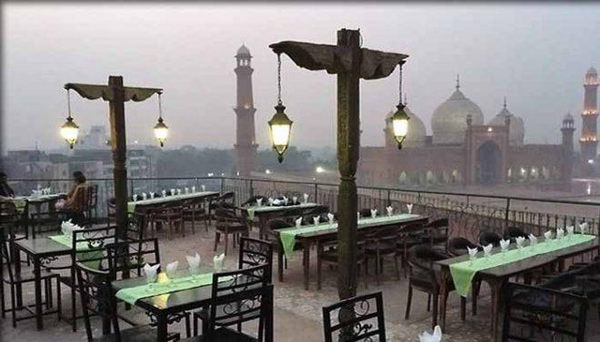 لاہور: ریسٹو رینٹس کو رات 10 بجے تک آؤٹ ڈور ڈائننگ کی اجازت مل گئی