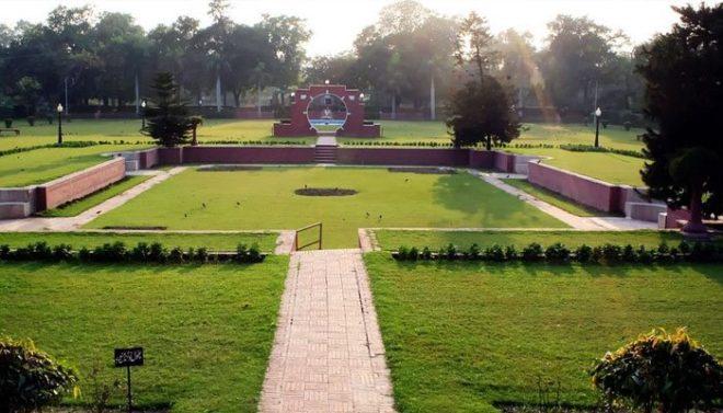 کورونا : پنجاب میں پابندیاں نافذ، تمام تفریحی پارک بھی بند
