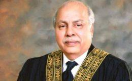 ہم کمشنر کراچی کو ہٹانے جا رہے ہیں، چیف جسٹس پاکستان