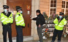لندن میں میانمار کے سفارتخانے پر جونیئر اہلکاروں کا قبضہ، سفیر فارغ