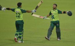 پہلا ٹی ٹوئنٹی: پاکستان نے جنوبی افریقا کو 4 وکٹوں سے شکست دیدی