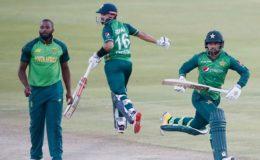 پہلا ون ڈے: پاکستان نے دلچسپ مقابلے کے بعد جنوبی افریقا کو ہرا دیا