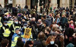 برطانیہ: احتجاجی مظاہرے، بیسیوں مظاہرین کو حراست میں لے لیا گیا