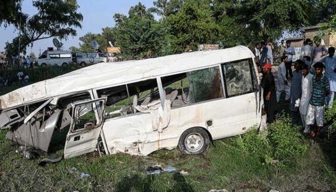 مظفرآباد: مسافر وین کھائی میں جاگری، 9 افراد جاں بحق