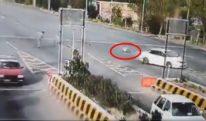 پشاور موٹروے ٹول پلازہ پر گاڑی کی ٹکر سے زخمی ہونے والا اہلکار چل بسا