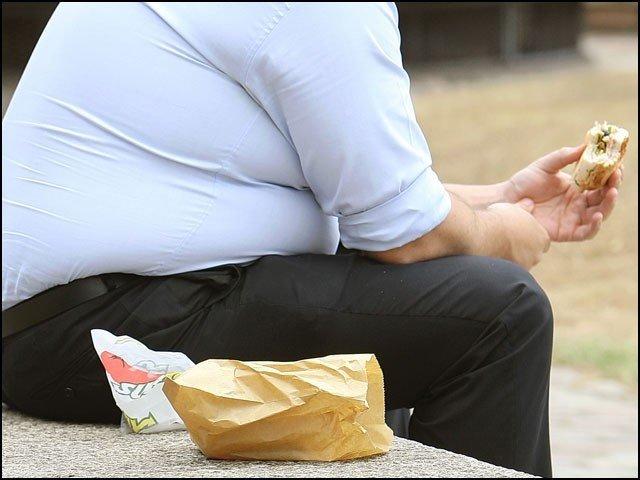 مذاق اُڑائے جانے پر موٹے لوگ زیادہ کھاتے ہیں، تحقیق