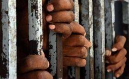کوٹری؛ عدالتی حکم پر زمیندار کی نجی جیل پر چھاپہ، 22 ہاری بازیاب