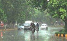 لاہور کے مختلف علاقوں میں بارش سے جھلسا دینے والی گرمی کا زور ٹوٹ گیا