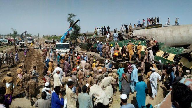 ڈہرکی ٹرین حادثے کی ابتدائی تحقیقاتی رپورٹ تیار