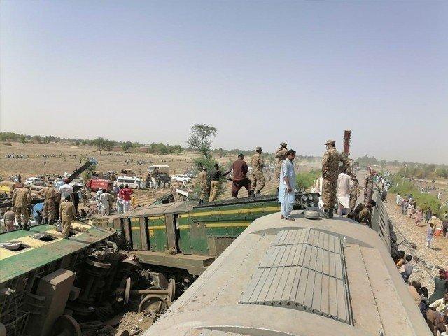 ڈہرکی ٹرین حادثے کے بعد ریسکیو آپریشن مکمل، ٹرین آپریشن اپ ٹریک سے بحال