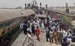 ریلوے افسران گھوٹکی حادثے کی ذمے داری ایک دوسرے پر ڈالنے لگے