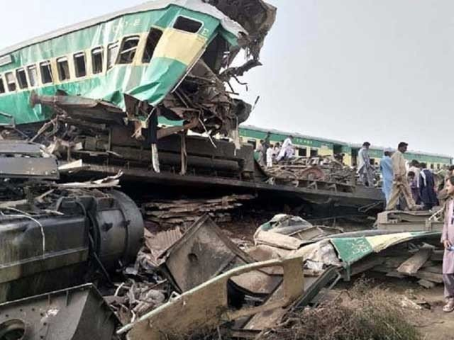 ڈہرکی کے قریب ٹرینوں کو حادثہ، جاں بحق افراد کی تعداد 41 ہوگئی، متعدد زخمی