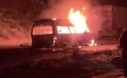 گوجرانوالہ؛ مسافر وین میں آتشزدگی سے 10 افراد جاں بحق