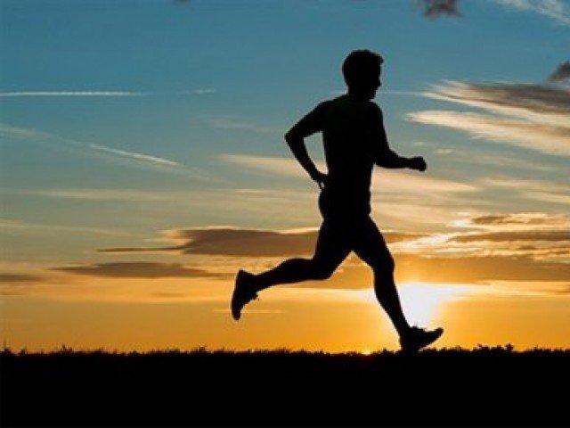مسلسل بیٹھے رہنے کا ازالہ کرنا ہے تو 40 منٹ کی ورزش کیجئے