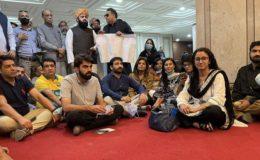 وفاقی حکومت نے صحافیوں پر پارلیمنٹ کے دروازے بند کر دیے
