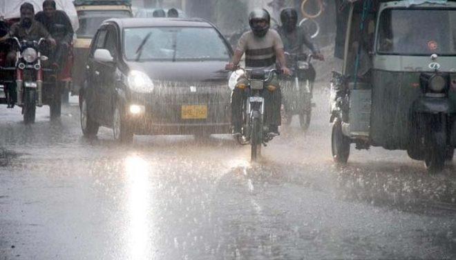 پنجاب کے مختلف شہروں میں بارش، نشیبی علاقوں میں پانی جمع