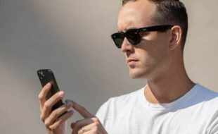 فیس بک نے اسمارٹ ڈیجیٹل عینک فروخت کےلیے پیش کر دی